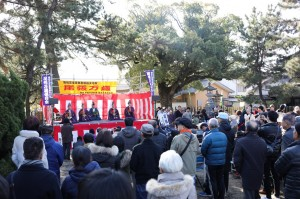 知多市 正月風物詩「尾張万歳(おわりまんざい)」 尾張八幡神社